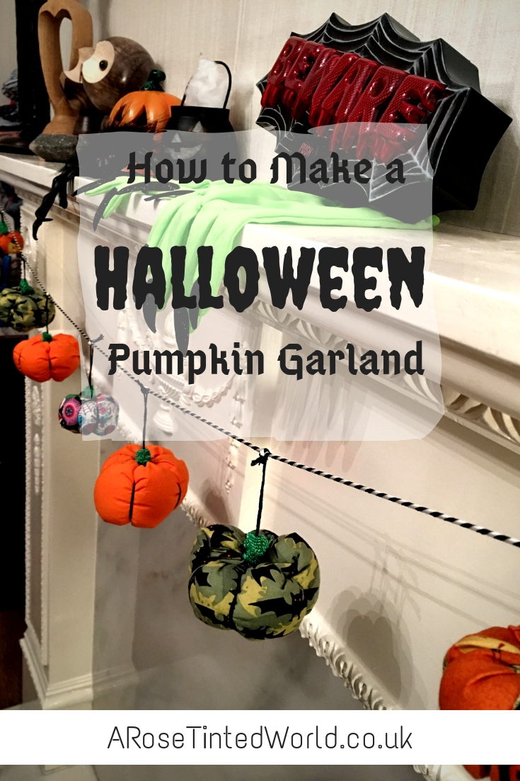 Make your own Halloween Pumpkin garland decoration using up all the fabric scraps in your scrap bag. Zero waste way to use waste fabric and up cycling old cloth to make your Autumn and fall decor. Great Halloween craft idea.  #zerowaste #recycled #upcycled #fabricscraps #pumpkin #pumpkingarland #halloween #halloweendecorations #halloweencrafts #halloweenideas #halloweendiy