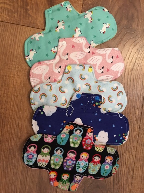 Reusable sanitary pads made from fabric scraps - find my tutorial on how to make those here #recycle #upcycle #zerowaste #reusablesanitarypads #upcycling