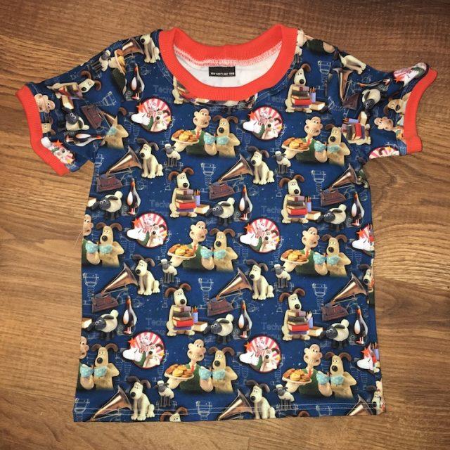 T-shirt in custom fabric