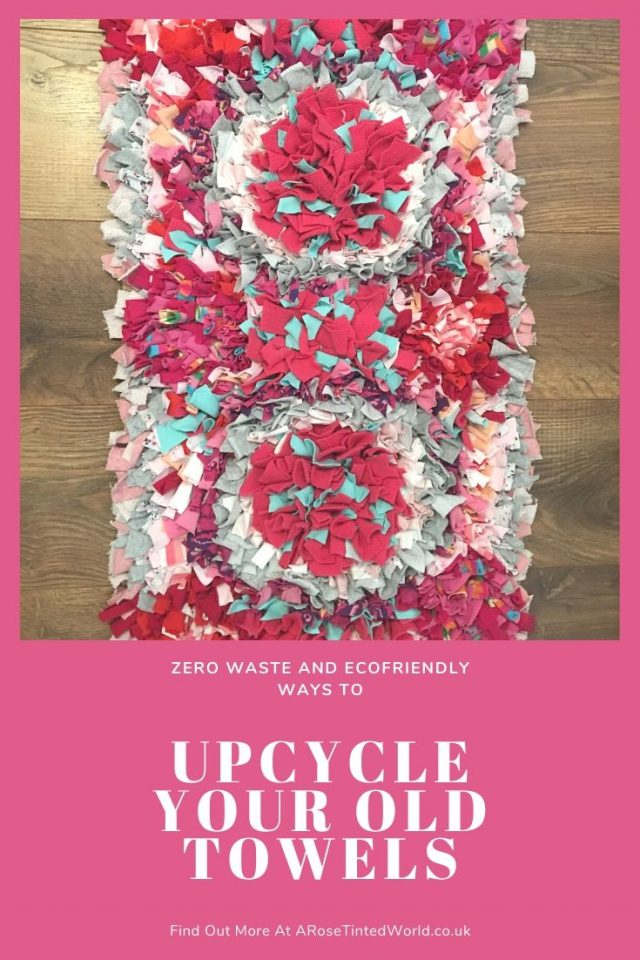 Bath mat rag rug -Ways To Upcycle Old Towels - looking for zero waste, sustainable ideas of how to reuse your old towel? Find here some great ways of recycling this versatile fabric and making some brilliantly useful items. #sewing #zerowaste #sustainable #upcycle #recycle #zerowasteliving #zerowastesewing #upcycledtowels