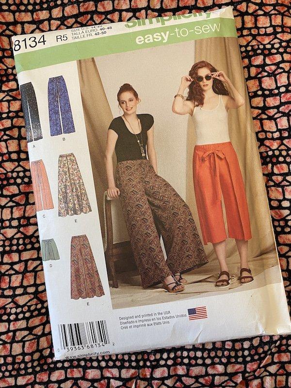 Simplicity 8314 Trouser pattern