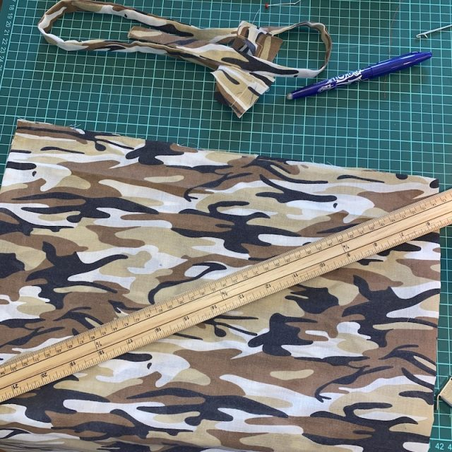 Attaching handles to bag 1