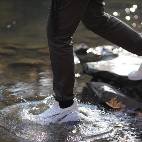 Benefits of Wearing Lightweight Sneakers