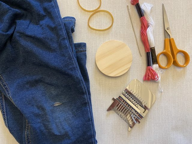 Tools needed to mend clothes with a speedweve